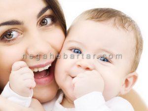 ژست عکس نوزاد و مادر